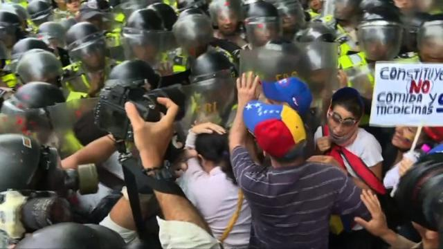 Police block march of elderly Venezuelans