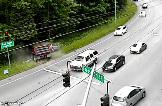 Police in Bellevue, WA say a dump truck's brakes failed as it sped past a red light and into traffic. Only one person sustained minor injuries.
