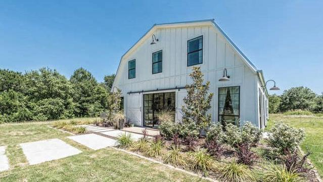 Calling all Chip and Joanna fans – we've got a house you're going to want to take a look at. The show's one-and-only 'Barndominium' in Texas is up for sale, costing a cool $1.2 million.