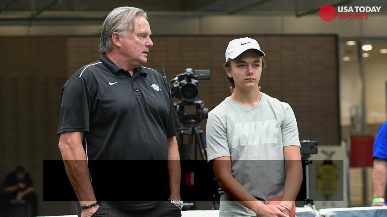 Parker Hannon, a 15-year-old  from Georgia, broke Super Bowl champion Adam Vinatieri's Guinness world record for the most 20-yard field goals in 60 seconds.