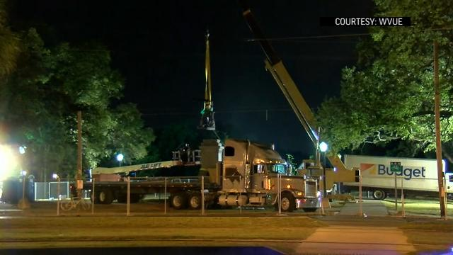 Raw: Confederate statue removed amid controversy