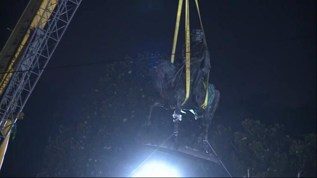 Raw: New Orleans removes 3rd Confederate statue