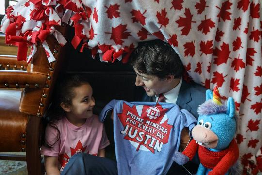 Little girl wins contest, builds fort with Justin Trudeau