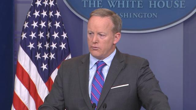 Spicer: Obama made it clear not a fan of Flynn
