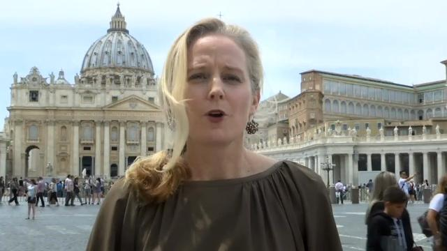 President Donald Trump met with Pope Francis at The Vatican on Wednesday. As AP Reporter Nicole Winfeld explains, the two leaders set aside their differences to broadcast a tone of peace. (May 24)
