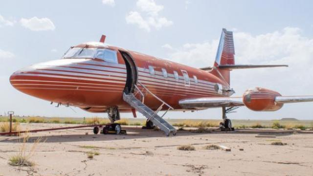 Elvis' plane doesn't even need engines to sell for half a million