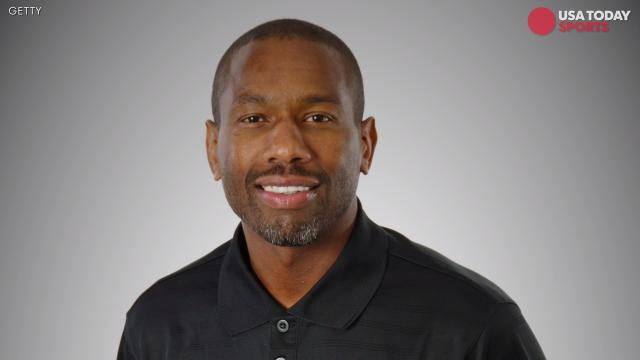Ex-NBA player charged with indecent exposure; he says he was relieving himself