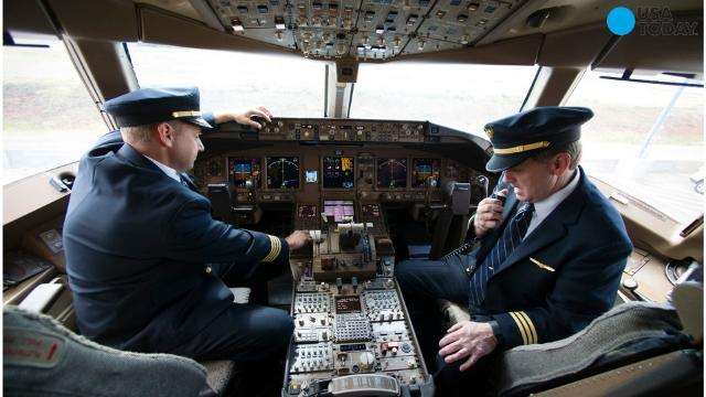 Traffic Control Panels : House panel votes to privatize air traffic control