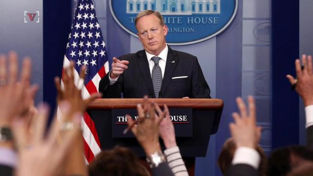 Spicer: Reporters more interested in YouTube channels than facts
