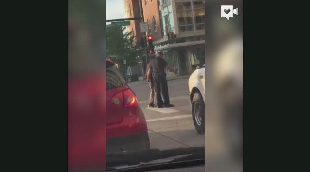 Moment of kindness during traffic caught on camera