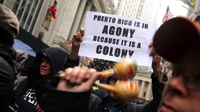 687ceacebee cbs46.com Puerto Ricans parade in New York