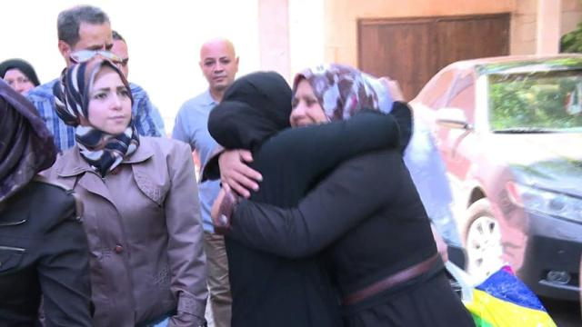 Hundreds of detainees from Damascus prisons freed: minister Video provided by AFP